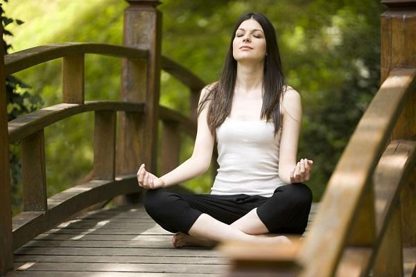 Comment le yoga vous aide a perdre du poids